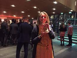 Nina Brugman houdt de Gazelle Award vast