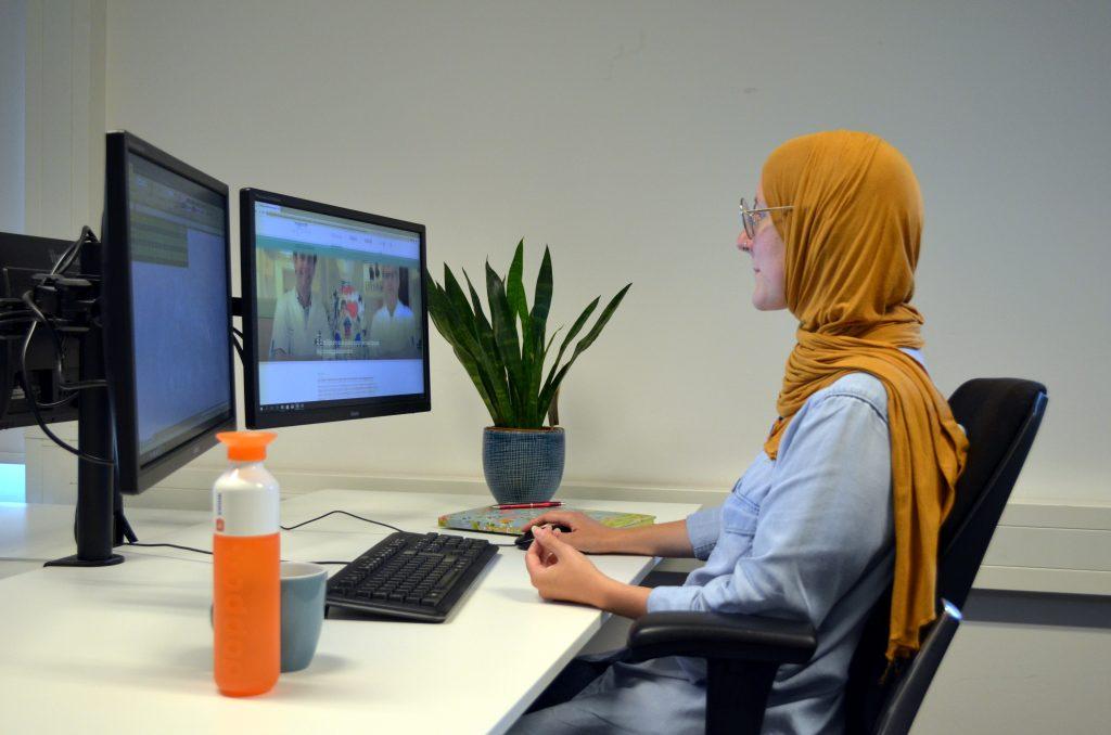 Michelle aan het werk voor Erasmus MC